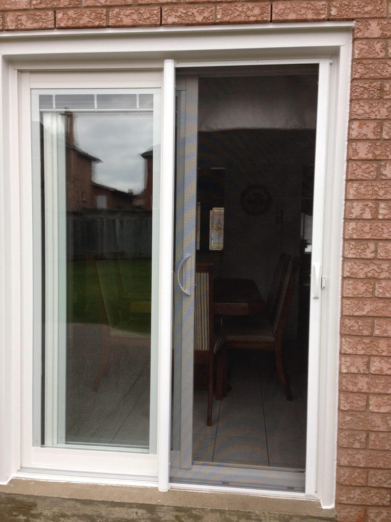 Retractable screens windows and doors toronto eco choice for Disappearing sliding doors